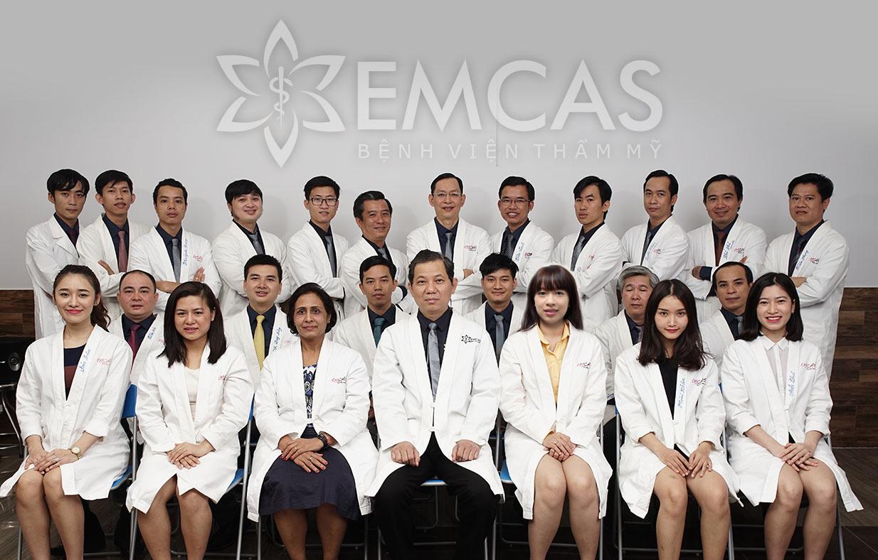 Bác sĩ bệnh viện thẩm mỹ EMCAS