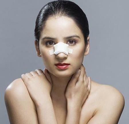 Sửa mũi hư gây tâm lý lo lắng cho nhiều người